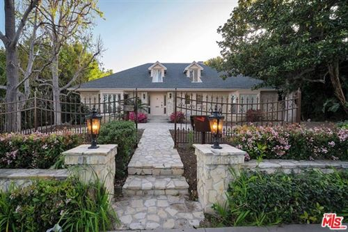 Photo of 713 FOOTHILL Road, Beverly Hills, CA 90210 (MLS # 21709084)