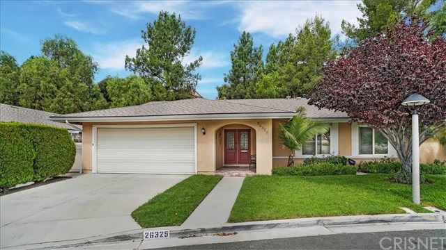 Photo for 26325 Green Terrace Drive, Newhall, CA 91321 (MLS # SR19228084)