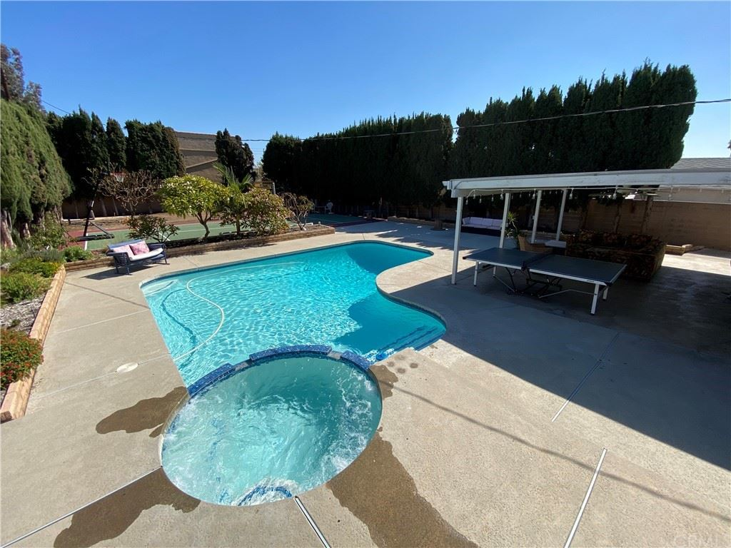 1091 N Lincoln Street, Orange, CA 92867 - MLS#: NP21233085