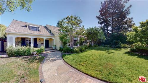 Photo of 10443 Kling Street, Toluca Lake, CA 91602 (MLS # 21725086)