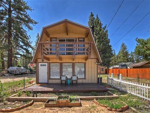 Photo of 1028 W Aeroplane Boulevard, Big Bear, CA 92314 (MLS # EV21171086)