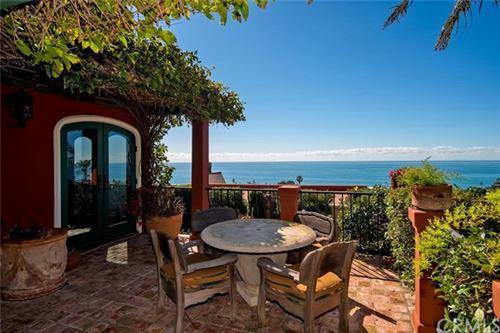 Photo of 330 Cajon Terrace, Laguna Beach, CA 92651 (MLS # NP20179087)