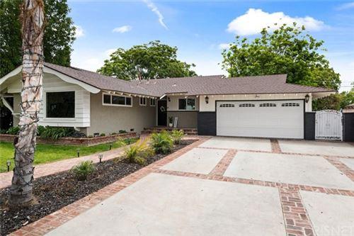Photo of 20020 Superior Street, Chatsworth, CA 91311 (MLS # SR21089087)