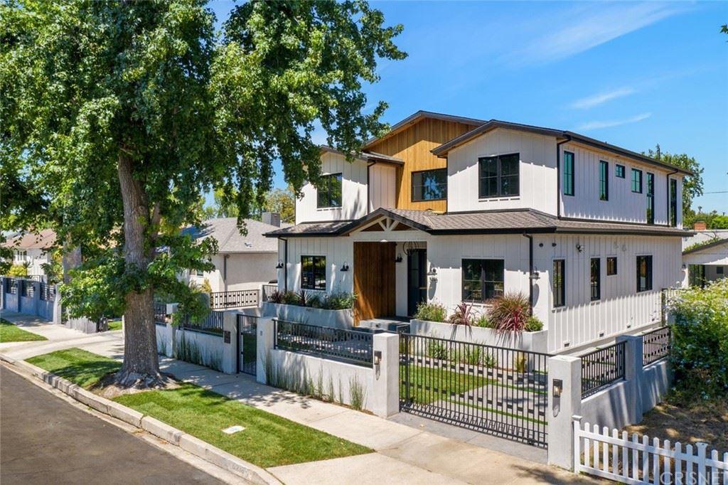 Photo of 5236 Beeman Avenue, Valley Village, CA 91607 (MLS # SR21160087)