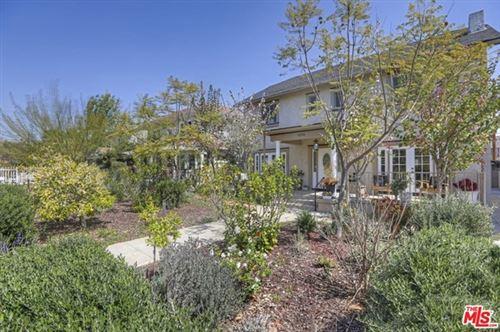 Photo of 1012 N Edgemont Street, Los Angeles, CA 90029 (MLS # 21690088)