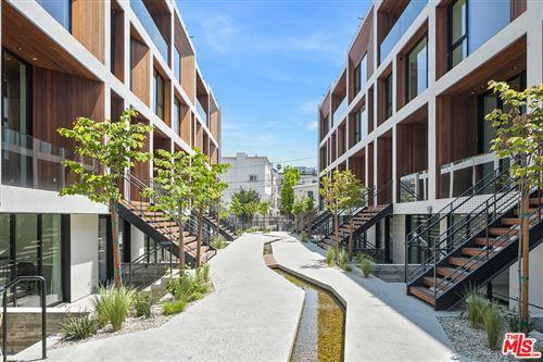 Photo of 610 S Van Ness Avenue #5, Los Angeles, CA 90005 (MLS # 21772088)