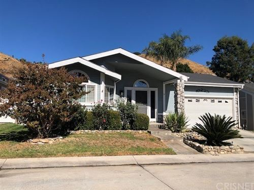 Photo of 20065 Crestview Drive, Canyon Country, CA 91351 (MLS # SR20232088)