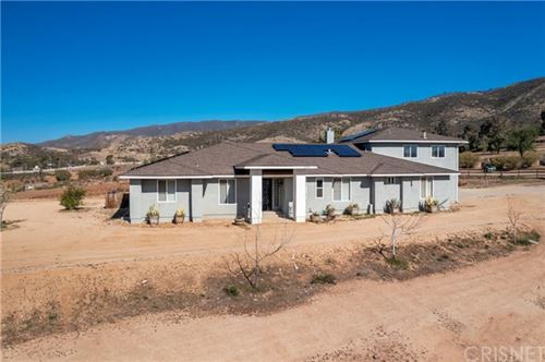 Photo of 34393 Lavery Canyon Road, Agua Dulce, CA 91390 (MLS # SR21068088)