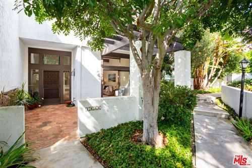 Photo of 1656 Michael Lane, Pacific Palisades, CA 90272 (MLS # 20659090)