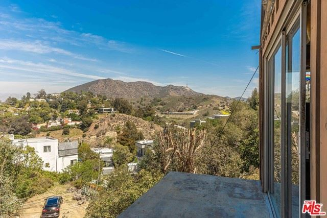 Photo of 6850 Cahuenga Park Trail, Hollywood, CA 90068 (MLS # 21719090)