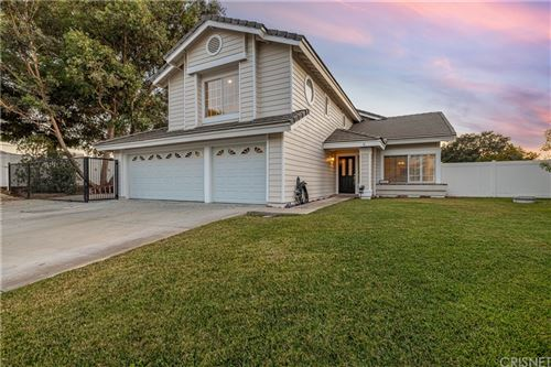 Photo of 27901 Park Meadow Drive, Canyon Country, CA 91387 (MLS # SR21159091)