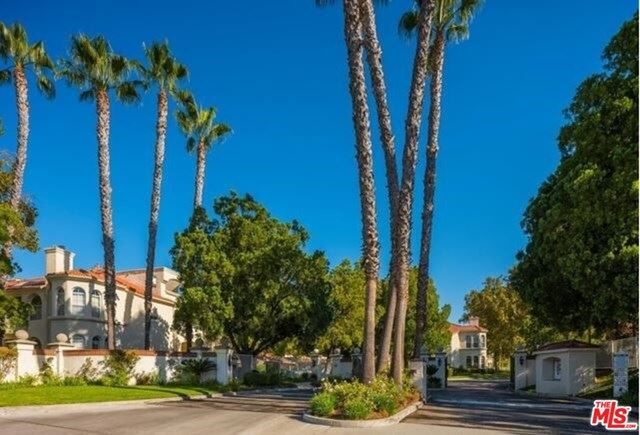 Photo for 25945 Stafford Canyon Road #C, Stevenson Ranch, CA 91381 (MLS # 20661092)