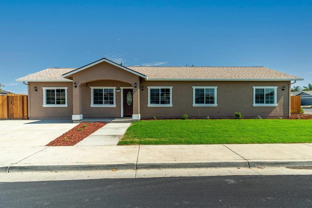 1000 Central Avenue, Hollister, CA 95023 - #: ML81853092
