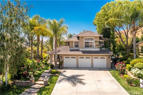 Photo of 21720 Don Gee Court, Saugus, CA 91350 (MLS # SR21104093)