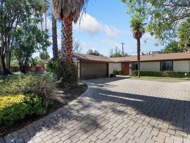 Photo for 6521 Oakdale Avenue, Woodland Hills, CA 91367 (MLS # BB21026093)