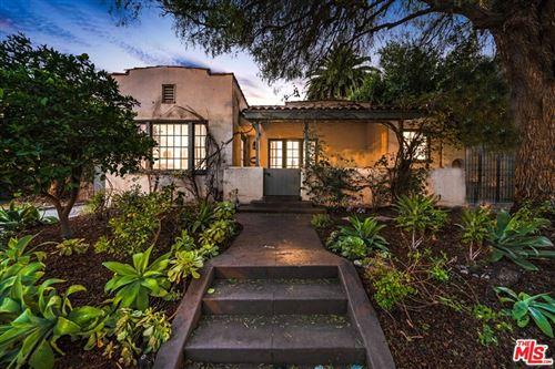 Photo of 523 N Norton Avenue, Los Angeles, CA 90004 (MLS # 21767094)