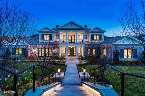 Photo of 2760 Queens Garden Drive, Thousand Oaks, CA 91361 (MLS # 221000094)