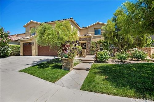 Photo of 27244 Golden Willow Way, Canyon Country, CA 91387 (MLS # SR20159094)