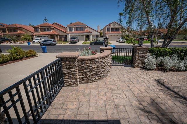 Photo of 6663 Pecan Avenue, Moorpark, CA 93021 (MLS # 221002095)