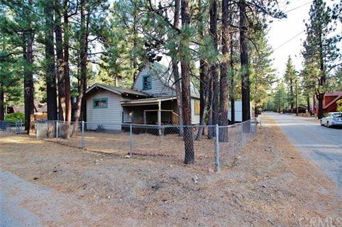 Photo of 1040 Robinhood Boulevard, Big Bear, CA 92314 (MLS # EV20196096)
