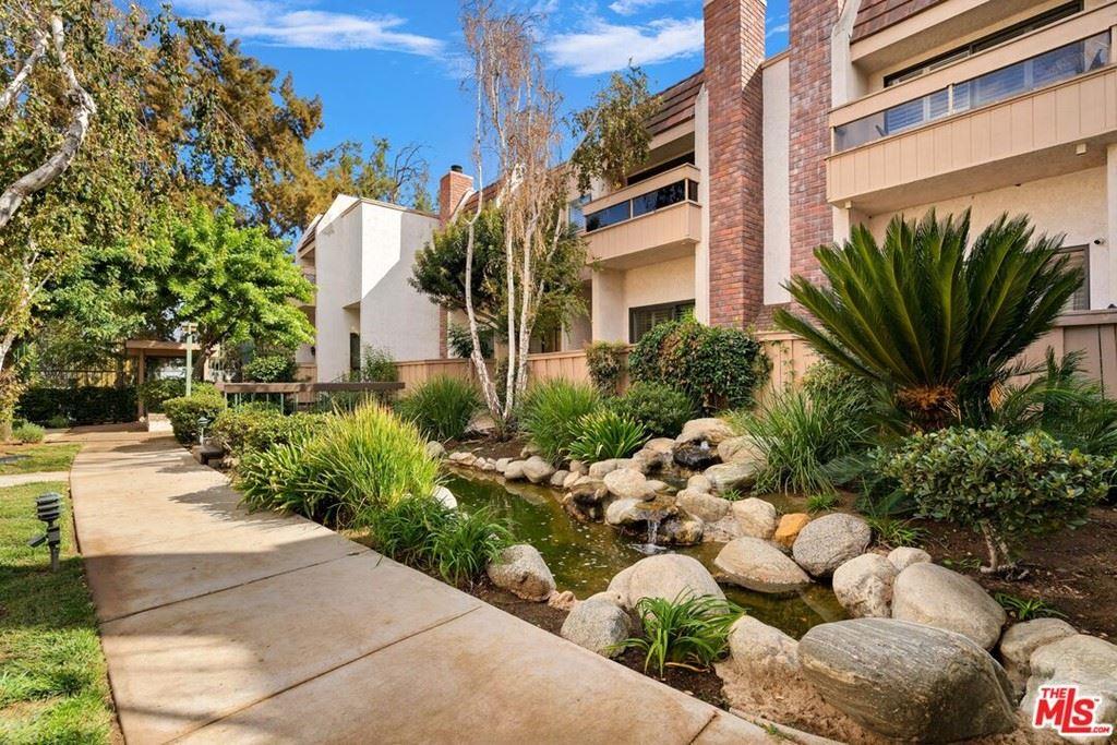 Photo of 5533 Edward E Horton Lane #3, Encino, CA 91316 (MLS # 21794096)