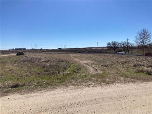 Photo of 6190 Burgandy Lane, Paso Robles, CA 93446 (MLS # NS21037097)