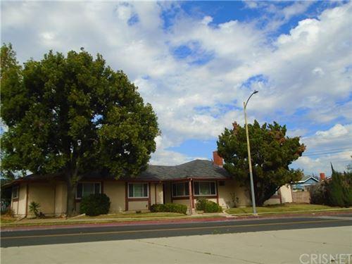 Photo of 10900 Woodley Avenue, Granada Hills, CA 91344 (MLS # SR20201097)