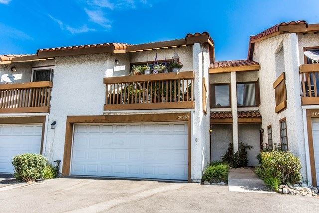 Photo for 20969 Judah Lane #33, Newhall, CA 91321 (MLS # SR19200097)