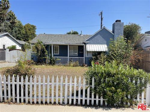 Photo of 2838 S Barrington Avenue, Los Angeles, CA 90064 (MLS # 21790098)