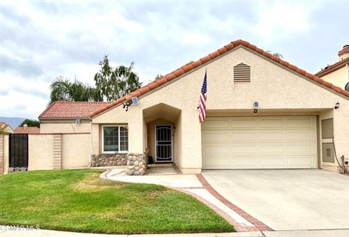 Photo of 2192 Crosscreek Avenue, Simi Valley, CA 93063 (MLS # 221003098)