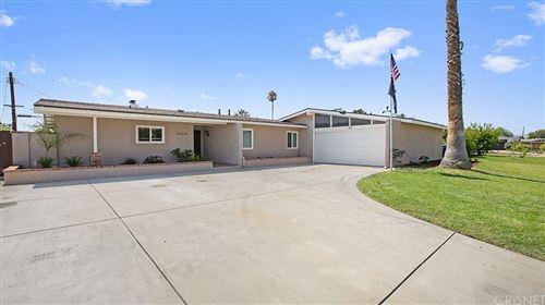Photo of 20338 Itasca Street, Chatsworth, CA 91311 (MLS # SR21200098)