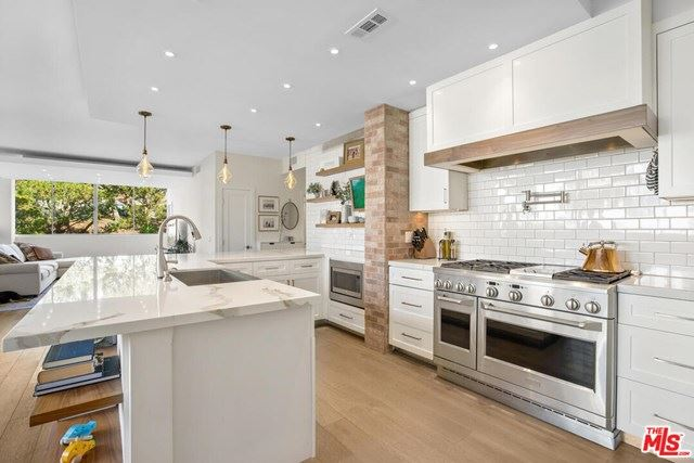 Photo of 17366 W SUNSET Boulevard #202, Pacific Palisades, CA 90272 (MLS # 20662098)