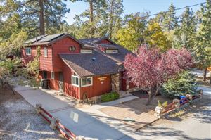 Photo of 560 Victoria Lane, Sugar Loaf, CA 92386 (MLS # 219032030PS)