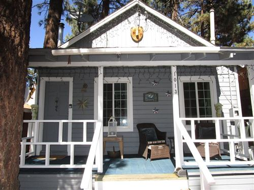 Photo of 1013 W Sherwood Boulevard, Big Bear, CA 92314 (MLS # 219068880PS)