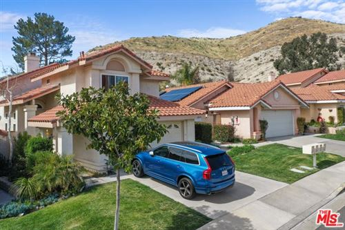 Photo of 28979 SAM Place, Canyon Country, CA 91387 (MLS # 20558100)