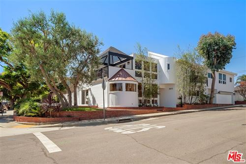 Photo of 3013 N Poinsettia Avenue, Manhattan Beach, CA 90266 (MLS # 21778100)