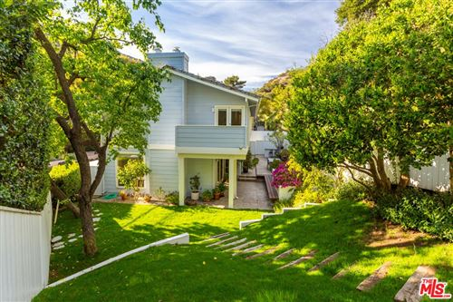 Photo of 2960 Mandeville Canyon Road, Los Angeles, CA 90049 (MLS # 21780100)
