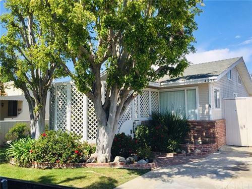Photo of 4270 Grand View Boulevard, Los Angeles, CA 90066 (MLS # SR21090100)