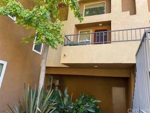 Photo of 22641 Copper Hill Drive #83, Saugus, CA 91350 (MLS # SR20228101)