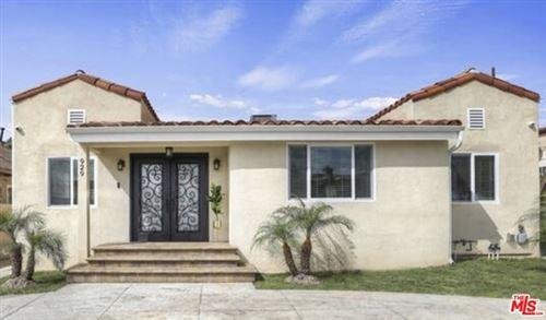 Photo of 929 N Kenmore Avenue, Los Angeles, CA 90029 (MLS # 21690102)