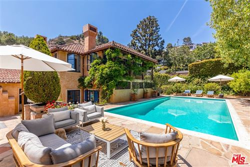 Photo of 1416 Bluebird Avenue, Los Angeles, CA 90069 (MLS # 21748102)