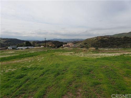 Photo of 0 Willow Ln/Woolsey Way, Agua Dulce, CA 91350 (MLS # SR19025102)
