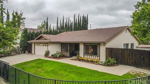 Photo of 10917 Brookfield Road, Chatsworth, CA 91311 (MLS # SR21079102)