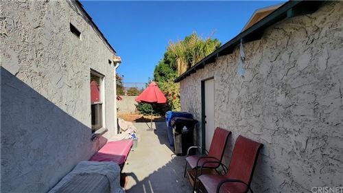 Tiny photo for 7500 Radford Avenue, North Hollywood, CA 91605 (MLS # SR21205103)