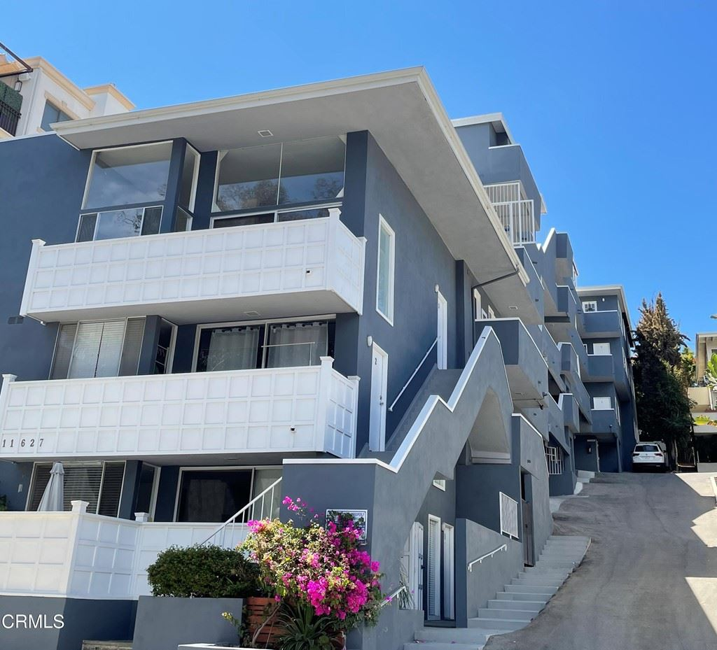 11627 Chenault Street #6, Los Angeles, CA 90049 - MLS#: P1-5103