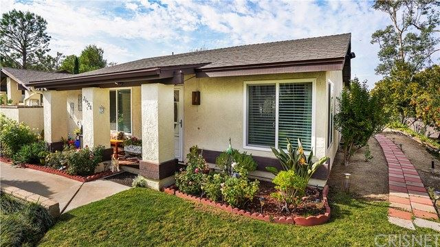 Photo for 26328 Oak Highland Drive #C, Newhall, CA 91321 (MLS # SR19268103)