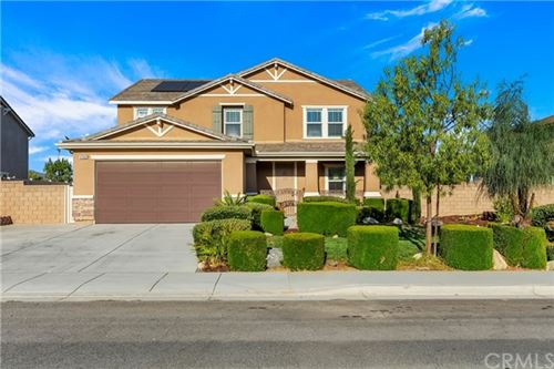 Photo of 37052 Whispering Hills Drive, Murrieta, CA 92563 (MLS # CV20153104)