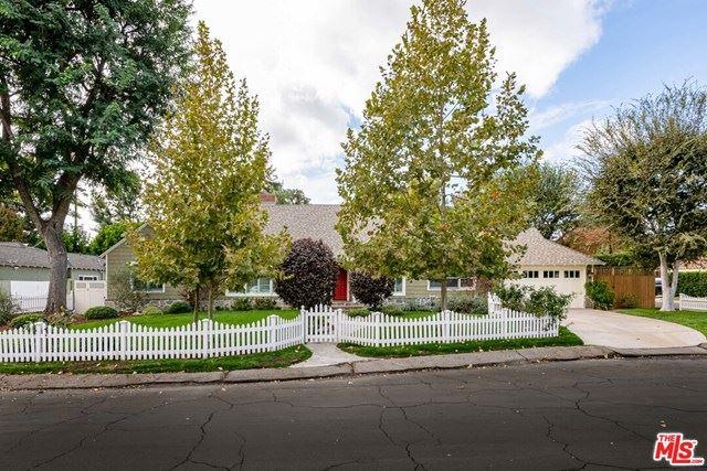 Photo of 4855 Radford Avenue, Valley Village, CA 91607 (MLS # 20657104)