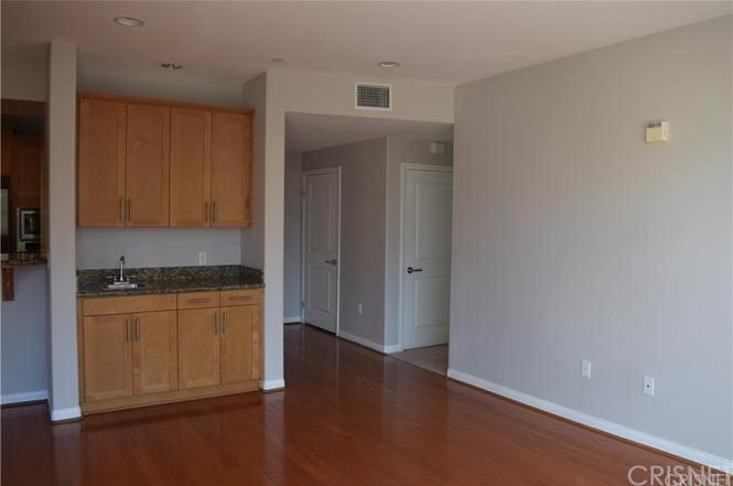 Photo of 4821 Bakman Avenue #201, Valley Village, CA 91601 (MLS # SR21093104)