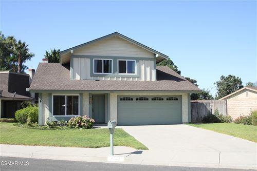 Photo of 2761 Amber Wood Place, Thousand Oaks, CA 91362 (MLS # 221005105)